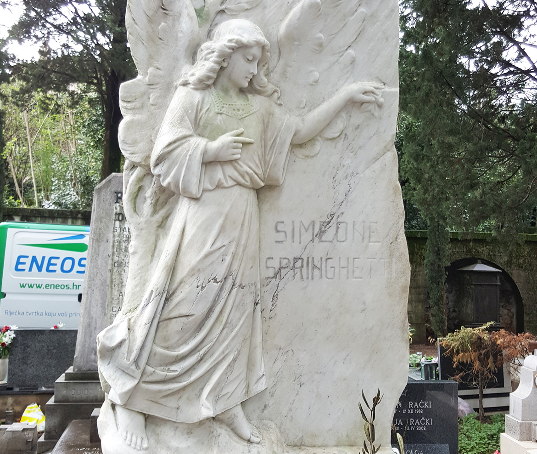After-Čišćenje nadgobnog spomenika